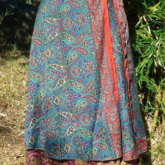 Falda de seda cruzada estilo sari hecha en India estampado exclusivo